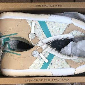 PLAE butler turtle dove size 8.5
